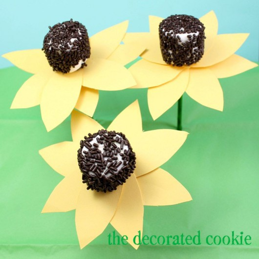 Sunflower Marshmallow Pops