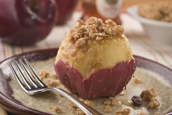 Microwave-Stuffed-Baked-Apples_Large600_ID-1154734