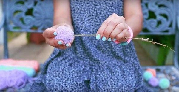 DIY Yarn Pom Pom Flower