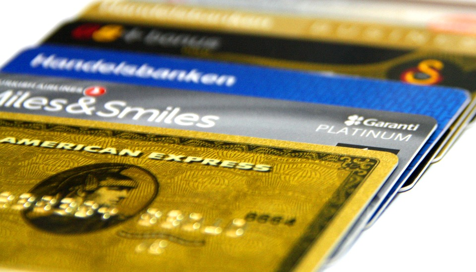 Ultimate credit card guide - credit cards overlapping
