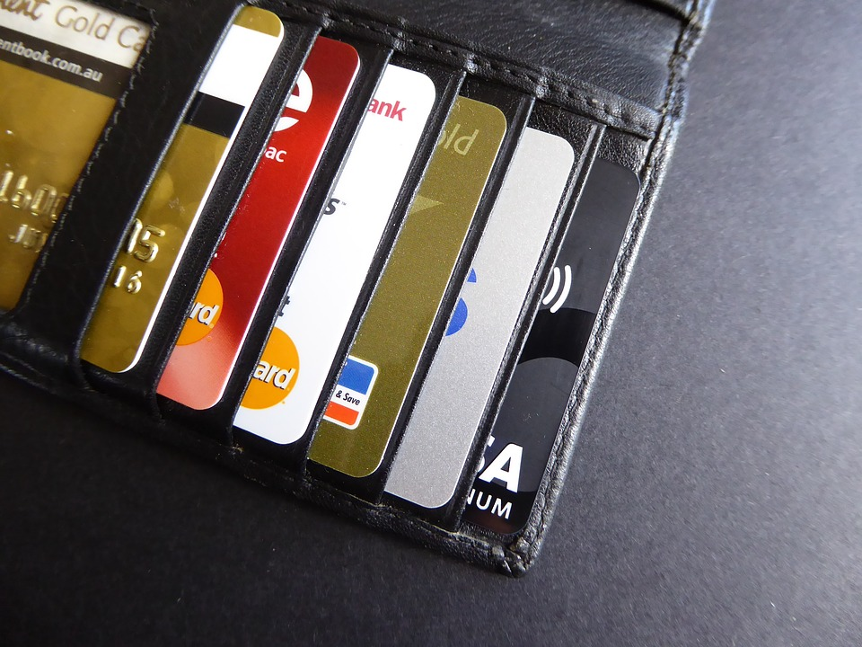 ultimate credit card guide - The difference between secured and unsecured credit card