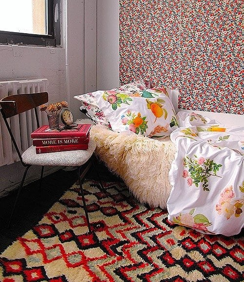 A DIY floral duvet cover that you can do in minutes and with a few materials.