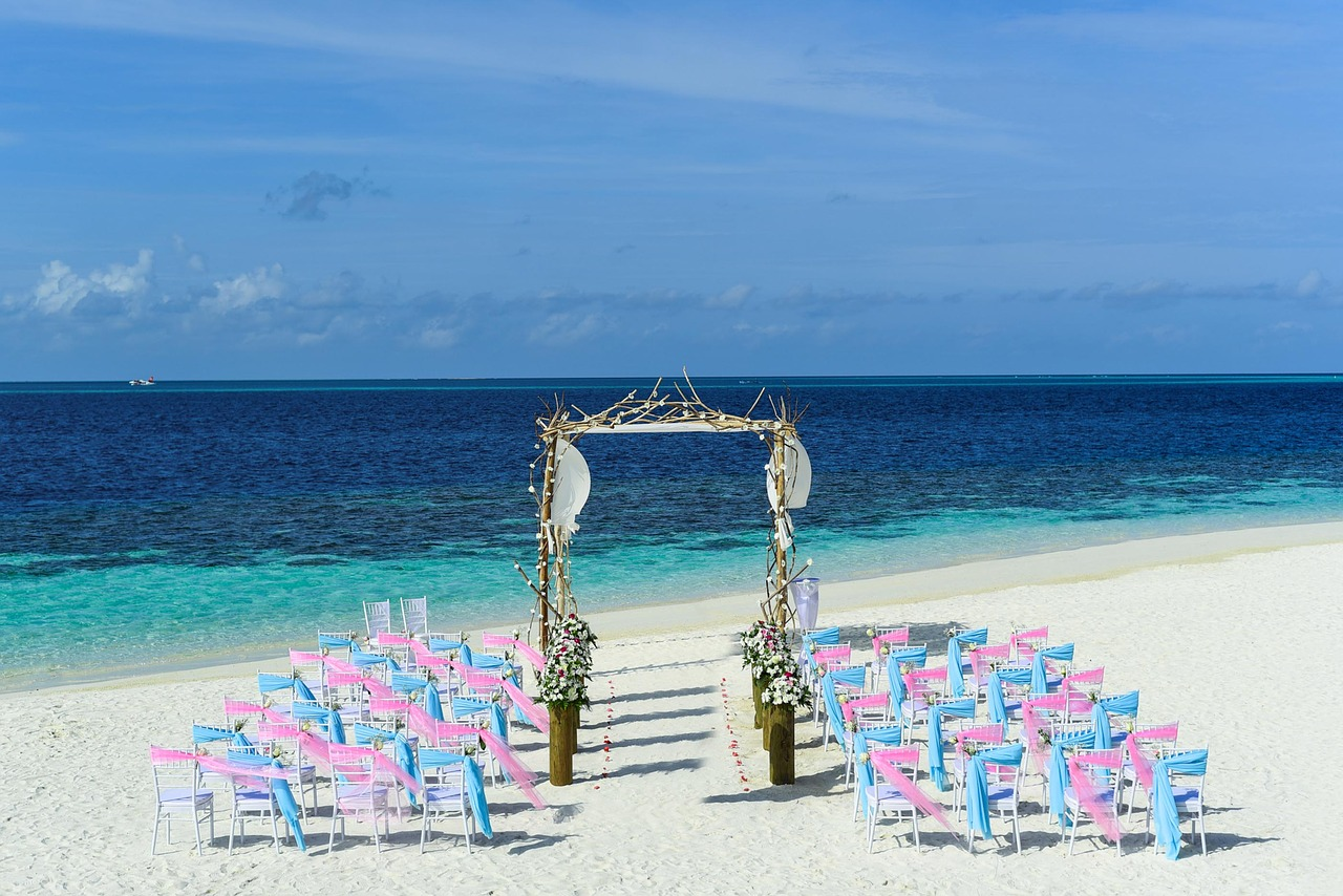 "Out-of-the-city destinations are great choices to say ""I do"" to love of your life."