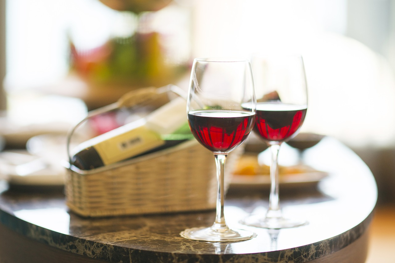 The classic red wine pairs amazingly with Italian pasta dishes. Your date will surely love it!
