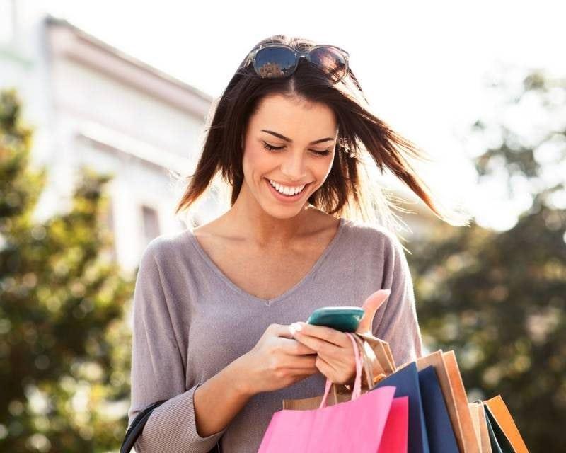 girl shopping on phone
